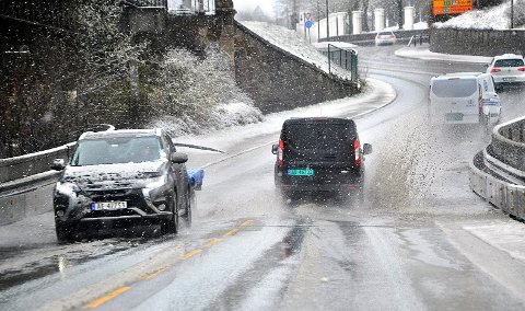 RUSKEVÆR: Det er meldt kraftig nedbør i helgen. Faren for at snøen forsvinner er dermed stor.