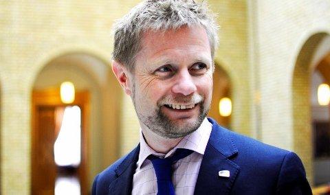 Helseminister Bent Høie får kraftig kritikk fra Arbeiderpartiet.