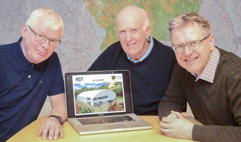 Tore Sperlin (f.v.), Roar Fundingsrud og Erik Unaas mener det nå ser lyst ut for racketthallen i Mysen.