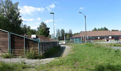 Smitte: To elever ved Rom skole i Askim fikk torsdag beskjed om at de er smittet av korona.