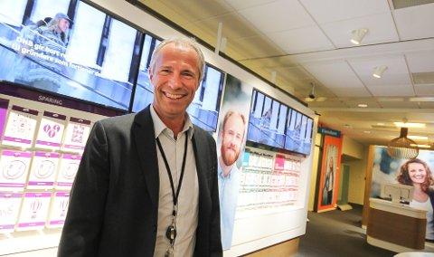 SOLIDE HALDENSERE: – Vi har mange solide og pliktoppfyllende kunder i Halden med gode inntekter, sier Øystein Undrum som er banksjef i DNB Østfold Sør.