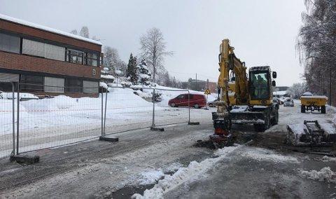 FEIL: Reparasjoner pågår i Lærerskoleveien.