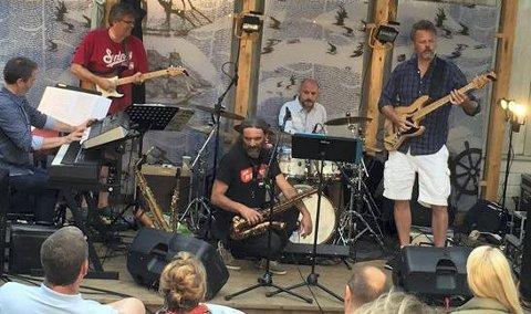 Gjentar sukessen: Riff spiller melodiøs jazz og hadde stor suksess med sin konsert i Museumshaven i fjor. Torsdag kveld er bandet tilbake på samme sted, men du kan høre dem allerede i morgen på trebåtbyggeriet på Sandøya.