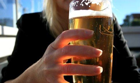 Vi bør droppe alkohol en måned, mener alkovettorganisasjonen Av-og-til.