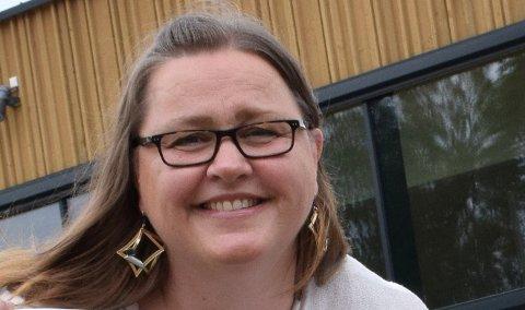 FORNØYD: Anne Mette Johannesen er godt fornøyd med at 1.450 barn og unge har meldt seg på årets sommerskole, som har sin første bolk i uke 25.