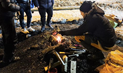 Ung Arena sitt splitter nye Uteteam i Vestby inviterte til grilling rundt bålet både i Son og på Risil i helgen som var.