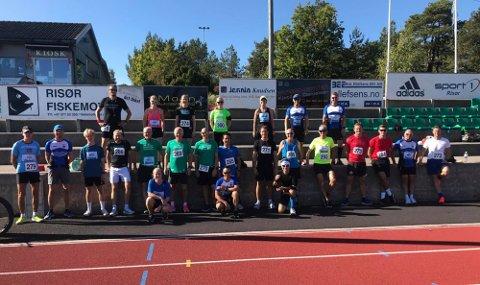 STORT LØPEMILJØ: Risør Idrettslag har fått et stort løpemiljø for voksne. Mange av dem var lørdag med på å løpe Oslo Maraton – på Viddefjell i Risør.