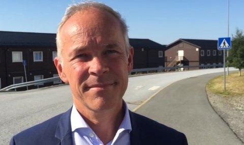 – Eg er glad for at samtlege fylke frå hausten 2018 får mobbeombod, seier kunnskaps- og integreringsminsiter Jan Tore Sanner.