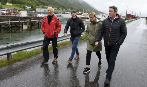 Dugnadshelter: Ketil Hansen (t.v.), Harald Larsen, Bente Berg Sivertsen og Tarald Sivertsen er fire av svært mange dugnadshelter i Nordfold.