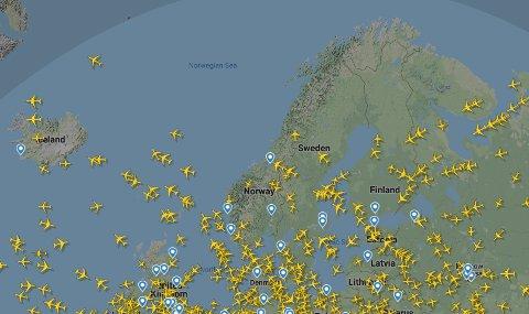 Flytrafikken over Nord-Europa i 12-tiden onsdag.