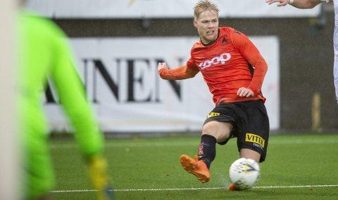 Håkon Lorentzen og Åsane serieåpner mot Senja på søndag. Du kan se alle kampene i 2. divisjon på BA.no.