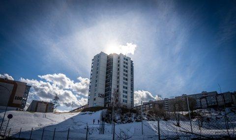 Bydelen Fjell er nå hardt rammet av smitteøkning, og kommunedelen Danvik, Austad og Fjell er hardest rammet i landet hva smittetrykket angår.