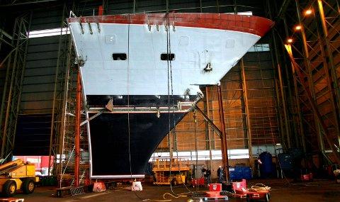 BYGDE I FØRDE OG FLORØ: Alle baugseksjonane til dei fem fregattane vart bygde i Sunnfjord.