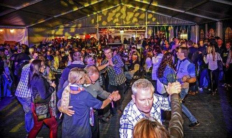 Bygdefest: Råde Parkfestival sparker i gang festen for syvende år på rad. I 2016 (bildet) var det rundt 7.000 besøkende innom festivalen, og alt tyder på at den rekorden blir slått iår. Arkivfoto: Kent Inge Olsen