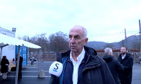Stanley Wirak (Ap) mener samferdselsminister Knut Arild Hareide (KrF) gjemmer seg bak formaliteter når han ikke vil gi klarsignal til lokal forskuttering av ny E39 mellom Hove og Osli.
