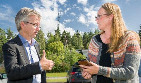 BRA: Statssekretær Paul Chaffey i Kommunal- og moderniseringsdepartementet forsikret ordfører i Nord-Odal Lise Selnes om at nå vil beredskapen angående mobil- og internettforbindelsen i kommunen bli mye bedre innen to år.