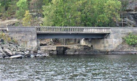 Båtleden under brua vil stenges i to uker fra 1.september