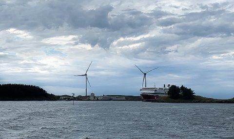 ENERGI: Vindmøllene på Storøy på nordspissen av Karmøy.