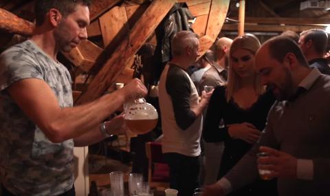 Under den populære ølbryggerkonkurransen kårer publikum det beste lokalbrygget, men det skjer mye mer under Helgeland Hjemmebryggerfestival.