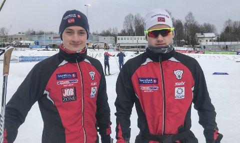 PÅ PLASS: Onsdag var Jesper Abelsen Andreasen (t.v.)  og Ole Jacob Forsmo fra Halsøy IL på plass på skistadion på Konnerud utenfor Drammen. I dag går 15 km skøyting, og de neste tre dagene blir sprint, 30 km klassisk og stafett.  Foto: Privat