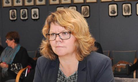 STENGER SKOLEN: Rektor Inger Persen håper å åpne skolen igjen snart.