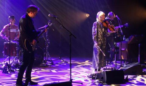ÅPNET: Bandet Julietnorth fikk æren av å åpne Vadsøs nye kultursal onsdag.