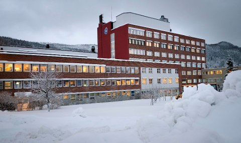 Sju tillitsvalgte ved Helgelandssykehuset Mo i Rana gir i et brev til Helse Nord klart uttrykk for at de reagerer på at en av de nye styremedlemmene som er oppnevnt til Helgelandssykehuset, er markant medlem i Bunadsgeriljaen. Foto: Øyvind Bratt, Rana Blad