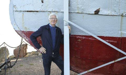 ET LANDEMERKE: Ole M. Brakstad og Holmestrand Sjømannsforening føler et ansvar for å ta vare på baugen av Juno. FOTO: LARS IVAR HORDNES