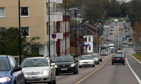 Spør: – Vi vet alle at det vil være positivt med redusert trafikk og bruk av bil. Men er det rettferdig at innbyggerne i Moss må parkere bilen for at fergetrafikken skal få bedre forutsetninger og kunne øke i omfang, undrer Arild Svenson?