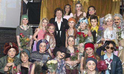ALADDIN: Premieren på Aladdin i Bøler Kirke ble åpnet av ordfører Marianne Borgen, som hygget seg stort med både fremføringen og de unge skuespillerne. Foto: Knut S. Myra