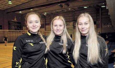 2. klasse idrettsfag: Malin Øverjordet, Åsne Ulheim og Elise Lien er elever ved 2. klasse idrettsfag. De syntes det var artig å få samlet hele skolen til volleyballturnering.
