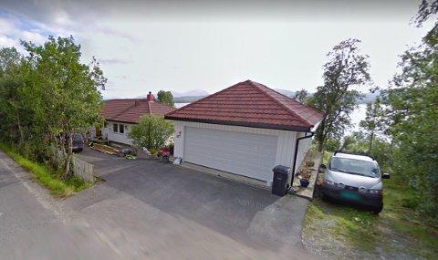 FIKK HELSEPLAGER: Dette er huset Kjetil Emil Olsen og Anita Michalsen kjøpte i 2017. Paret bor i dag ikke i huset, på grunn av helseplager. FOTO:  Skjermdump, googlemaps