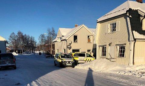 SKAPTE FRYKT: De stadige væpnede aksjonene mot boligen og nærmiljøet i Eina sentrum skapte atskillig bekymring hos innbyggerne i vinter.