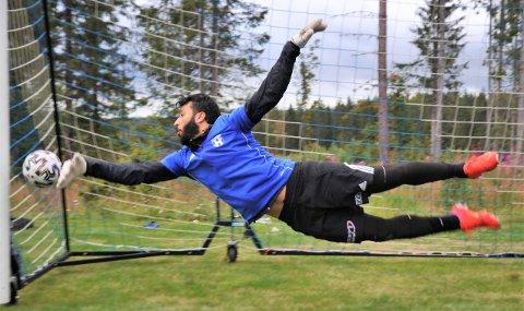 ALT FOR REINSVOLL: Khaled Shoufan flyttet til Bøverbru og dukket opp på Reinsvoll-trening i mai. Fredag står han i mål npr hans nye klubb serieåpner mot Kolbu KK på bortebane.