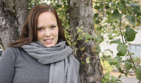 Ung, ufør og usynlig syk: Marit Olsen har kjempet både mot andres fordommer og egne forventninger. – Også jeg hadde formeningen om at det er å jobbe 100 prosent man skal. Det er jo det som er normalen. Nå har jeg akseptert situasjonen som ufør, sier hun.FOTO: VIVI RIAN