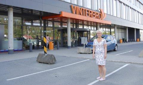 Vinterbro i Ås: Laila P. Nordsveen vil få folks øyne opp for konsekvensene av grensejusteringene som Ski har foreslått. foto: Solveig wessel