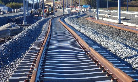 Bane Nor varsler at arbeider i helgen fører til stans i togtrafikken.