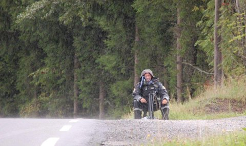 LASERKONTROLL: Kråkstadveien er et sted mange kjører for fort. Det vet politiet, som gjerne tar oppstilling med laser på Tandbergløkka.
