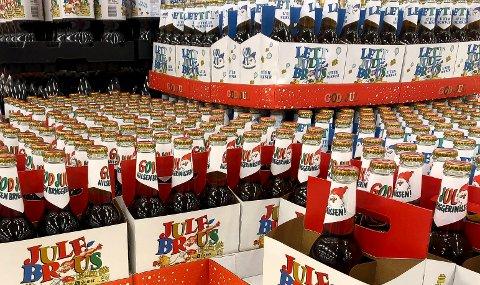 FORSVANT: Julebrusen forsvant fra butikkene i midten av desember, men Ringnes lover at Hamar og Lillehammer julebrus på glassflasker er tilbake neste jul.