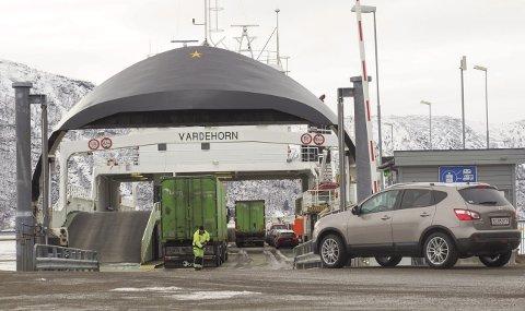 Tungtransport: Fergesambandet mellom Kjøpsvik og Drag er det foretrukne for tungtransporter. Foto: Terje Næsje