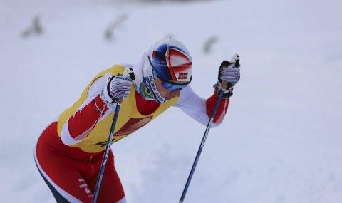 MYE staking: Bastian Brumoen valgte blanke ski i Faillærennet noe som ga god trening for armene. Foto: Stian Forland