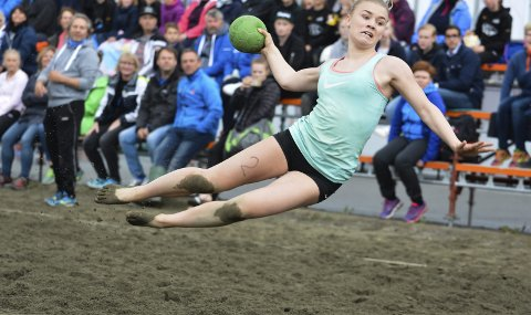 Storinnrykk: Over 800 spillere er ventet på regionalmesterskapet i beachhåndball denne helga.