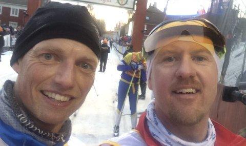 MÅLSELFIE: Bjarne Ellegaard Oure (til venstre) og Stian Roos etter at ni lange mil er unnagjort. Foto: Privat
