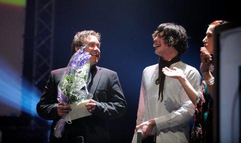 HEDER: Atle Møller og hans medhjelpere fikk kulturprisen under årets Speil-kåring, i regi av Sandefjord kommune for prosjektet 100 Nasjoner.