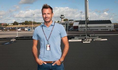 OVERSIKT: Nicolay kan fornøyd konstatere at Torp har satt ny passasjerrekord denne sommeren.