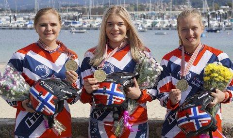 TOK VM-BRONSE: Ingveig Håkonsen (t.h.) tok bronse i lag-VM for Norge sammen med lagvenninnene Mette Fidje og Huldeborg Barkved. FOTO: TEAM NORWAY TRIAL
