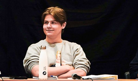 VANT: Høyre og Ole Thomas Lunde gjorde et kjempevalg i skolevalget ved Notodden videregående skole. Her fra panelet i skoledebatten.