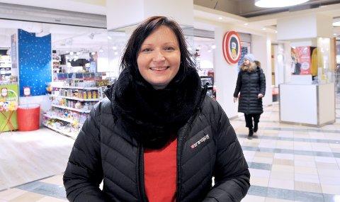 Glad innflytter: Sanita Smildzeja og familien fra Latvia søkte trygghet og lykke i Kristiansund. De fant krukken med gull i enden av regnbuen.