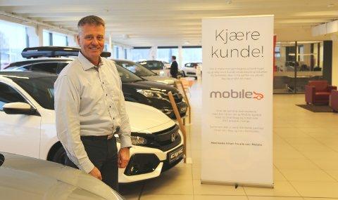 BLIR BORTE: Bjørn Georg Sørensen, daglig leder i Mobile Jarlsberg, synes det er trist at Honda-merket forsvinner fra forretningen.