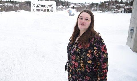 VIL HØRE PÅ DE UNGE: Anja Ristad (SV) vil slippe til ungdomsrådet i kommunestyremøtene. I en interpellasjon foreslår hun at de får møte- og talerett.